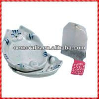 2013 new designed ceramic teabag holder plate