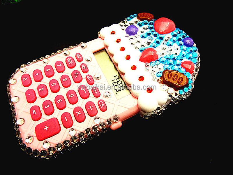 Novelty cake shape desktop calculator