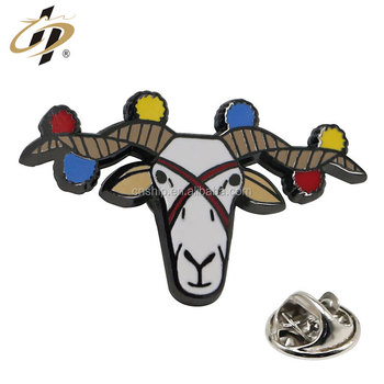 Wholesale zinc alloy hard enamel custom metal sheep animal badge pin lapel