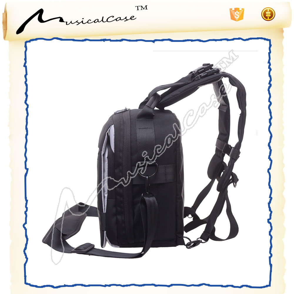 Easy to carry essential camera bags for women with adjustable messenger bag