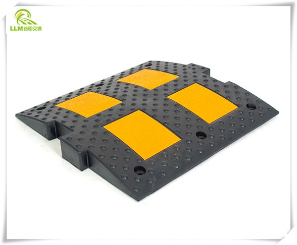 Best price 500mm road safety reflective rubber speed hump