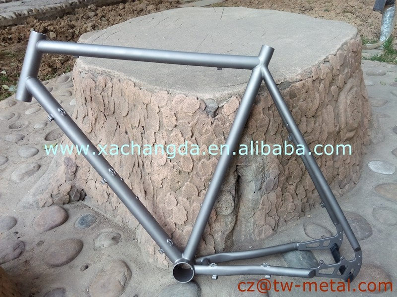 2016 new design Titanium mountain bicycle frame customized Ti mtb bike frame with disc brake and inner line