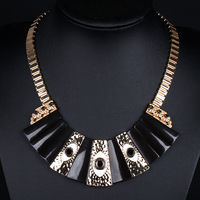 Factory Directly Sale New Design Yiwu Metal Chain Resin Bib Necklace