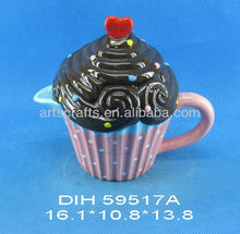 Ceramic cake shaped teapot