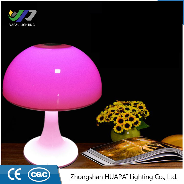 Smart hot selling Modern Rechargeable LED Table lamp Reading light Night light