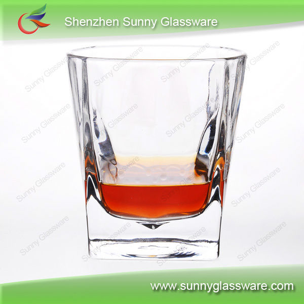 Classic stackable whiskey glass cups