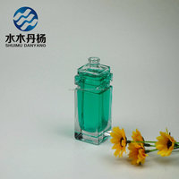 Refilling square perfume glass bottle with spray pump