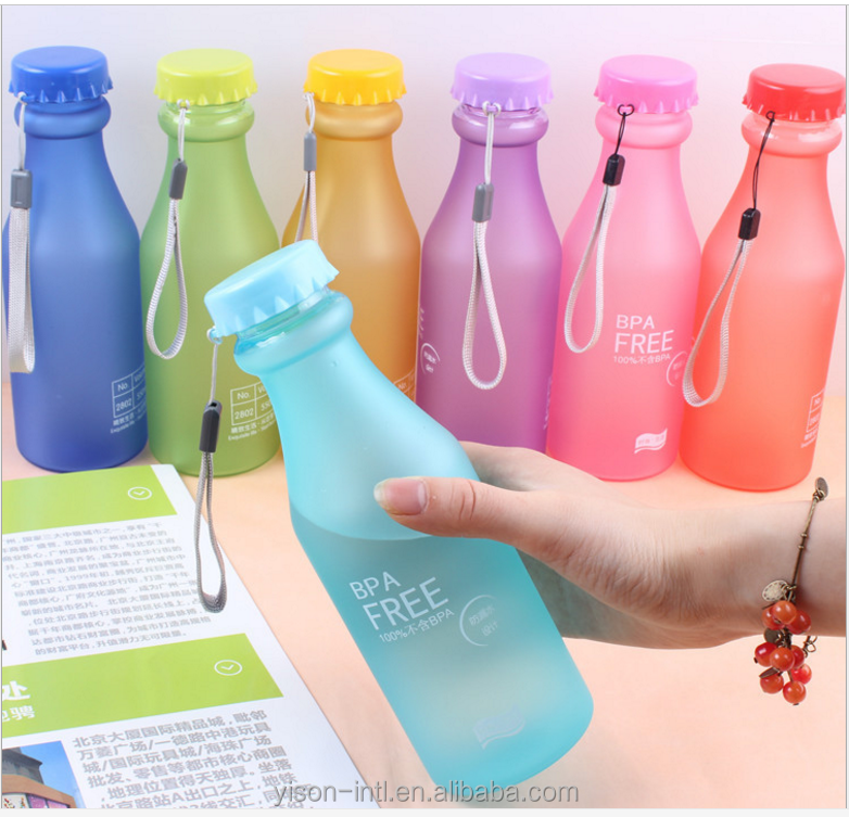 BPA free Portable Plastic Frosted soda Tritan drinking water bottle.Outdoor frosting plastic water bottle with rope for promotin