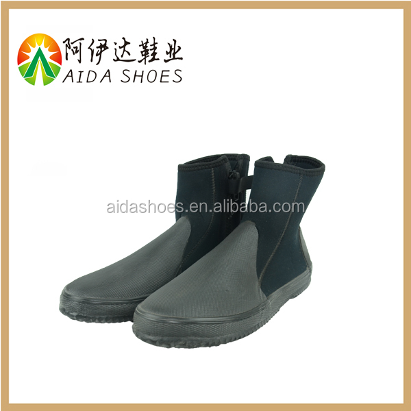 Lightweight soft rubber outsole neoprene beach diving boots