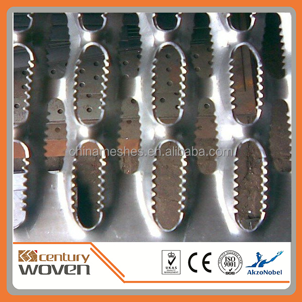 metal plank grating treads / grip strut stair tread with holes