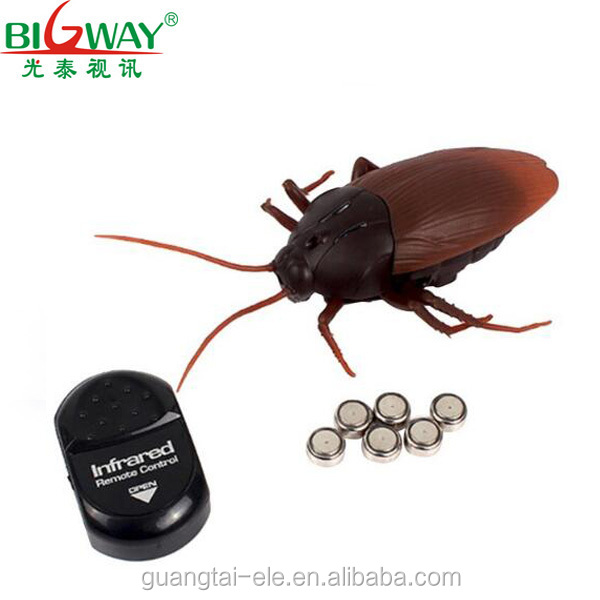 2017 hot selling fool <strong>toy</strong> Infrared remote control simulation cockroach cockroach <strong>toy</strong> for kids