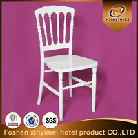 beautiful design with crown napoleon chiavari chair