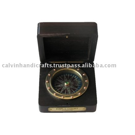 SMART AS A GIFT Fixed compass with wooden box CHX130279
