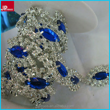 Bling rhinestone blue lace flowers trim for garment bags,hot fix black and white garment plastic rhinestone cup chain in roll