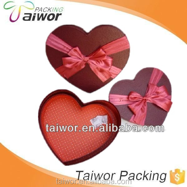 heart shape paper gift box for package with ribbon
