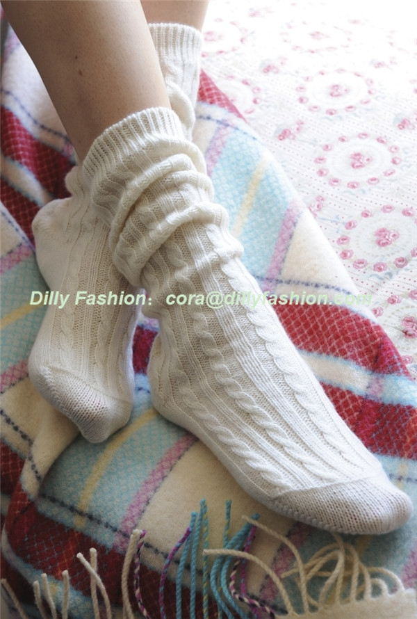 Knitting Pattern For Cashmere Socks : Custom Cable Knit 100% Cashmere Bed Socks For Women - Buy ...
