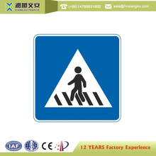 Visibility over 1000m solar flashing led pedestrian arrow warning light signs