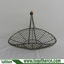 Farmhouse decoration small vintage metal wire harvest vintage flower basket with wood handle