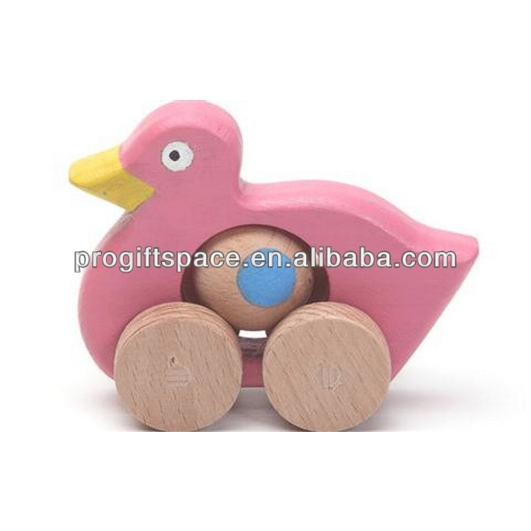 Hot new product best selling for 2018 eco friendly quality moving wooden duck on wheels toy for kids in China