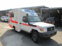 Toyota land cruiser box type 4X4 ICU high roof ambulance
