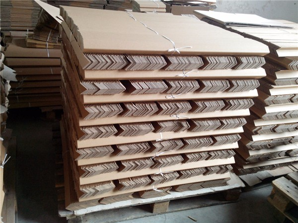 Paperboard pallet edge protector guard cardboard