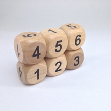 Personized Natural Wooden Number dice,Kids game playing wood dice Dongguan supplier 20mm