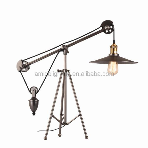 Designer adjustable height vintage tripod table <strong>lamp</strong> IT49