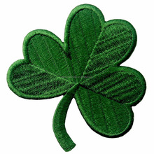 Irish Clover Dark Green Embroidered Emblem Lucky Shamrock Iron On Sew On Ireland Patch for T-shirt