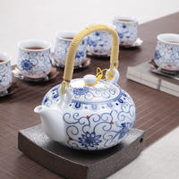 Chinese Traditional Porcelain Teapot with Bamboo Handle, Ceramic Teapot