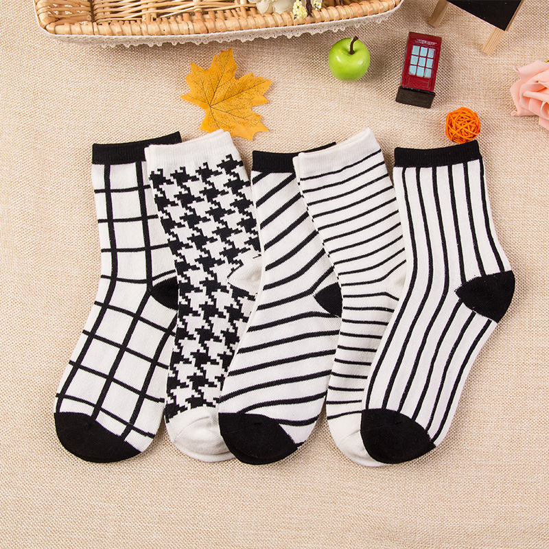 Girls Womens Cotton Socks Crew Ankle white and black stripe Casual Dress Socks