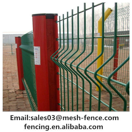 Low cost Steel Mesh Fence / Triangle Bending Fence / 3d Curved Welded Wire Mesh Panel Fence sports fence