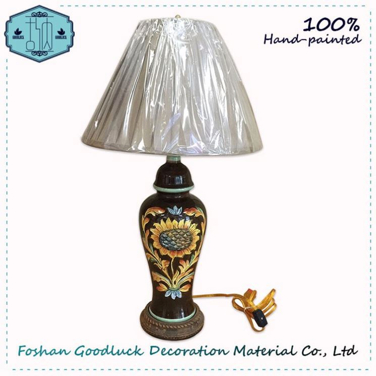 Hand Draw Flower Pattern Usa Manufacturers Power Outlet Table Lamp Design