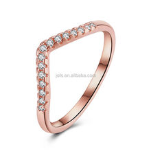 Fashion Simple Design Women's Daily Wear Rose Gold Plated Zircon Pave V Shape Wedding Rings