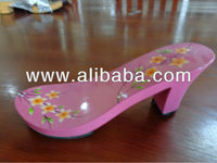 Fashion wooden clogs