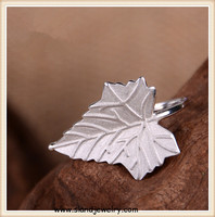 wholesale 2016 Italy latest finger ring designs jewelry Matte Maple Leaf funky sterling silver ring for woman and men