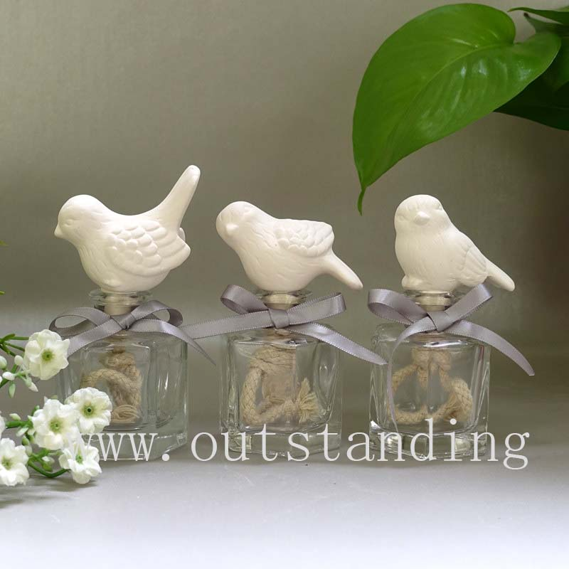 Glass Perfume Bottle with Ceramic Bird Aromatherapy Oil Diffuser Gift Set