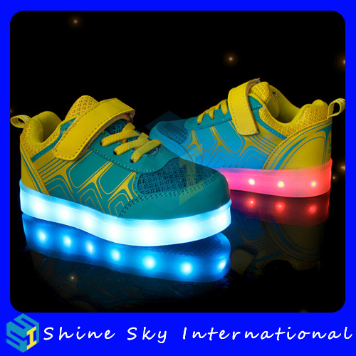 Factory new design shoes with wings logo,shoes kids party and events easy wear led shoes