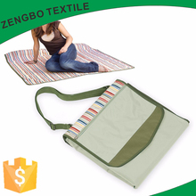 China factorys Outdoor Foldable fleece Picnic Blanket with handle Strap/Portable Lightweight folding beach blanket picnic mat
