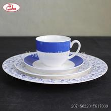 Hot selling liquidation dinnerware with blue flower pattern YG17039