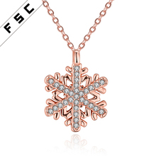2017 Wholesale beautiful gold pendants snowflake stainless steel necklace with crystal