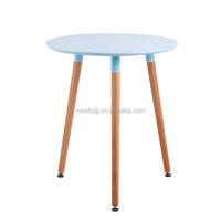 Small Three Leg Fashon Design Round Wood Dining Table