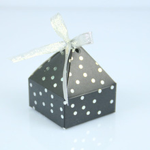 New arrival different colors towel shape bronzing paper chocolate box wedding favours