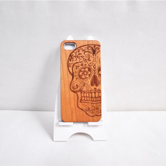 Skull pattern bamboo phone back cover, wood protective cell phone case