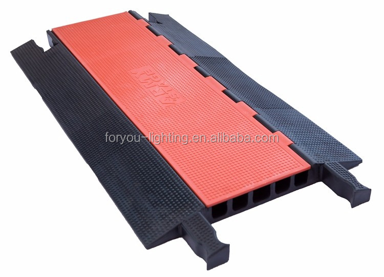 NEWComer High Quality GUARD Dog ABS + Rubber 65T Load Bearing All-weather Roadway Car Ramps Safety 5-Channel Cable Protector
