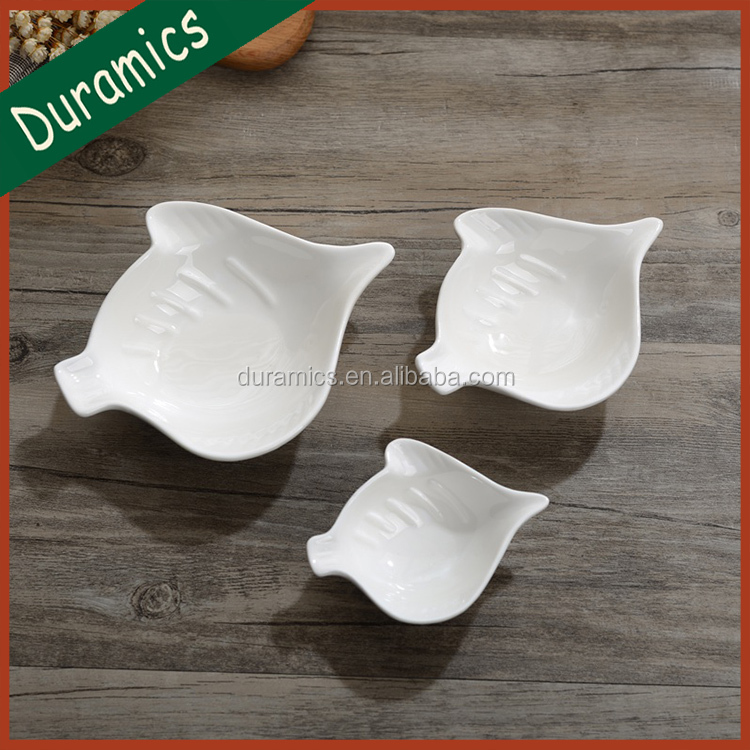 Japanese daily use fish design ceramic sauce dish white dipping dish