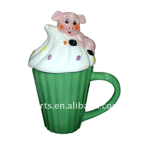 ceramic cupcake mug with lid, pig