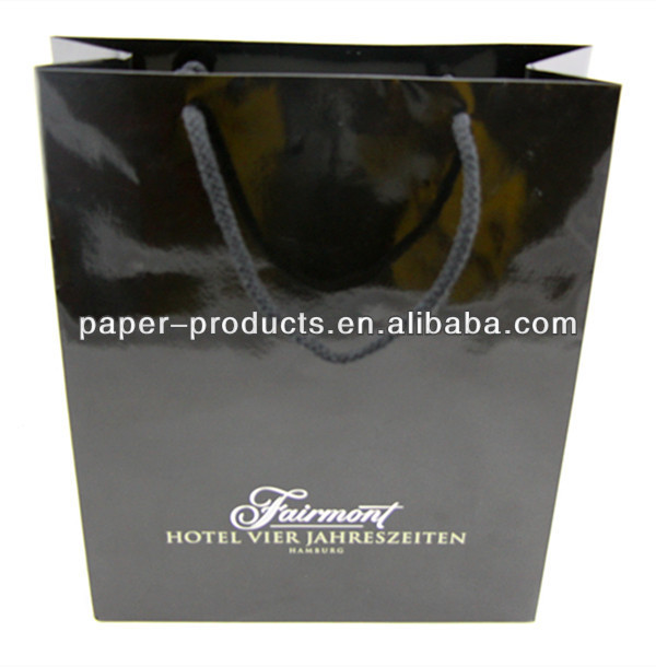 Glossy Varnishing Black Large Size Shopping Clothes Paper Bag With Handles