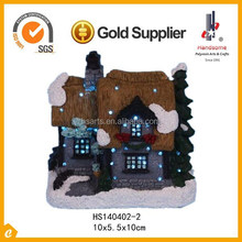 4 Inch hotsale gifts resin arts and craft christmas lighting house with decoration