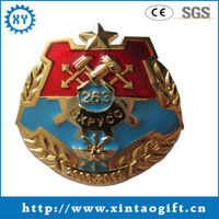 Newest style US fashional 2013 smart and cute metal pin badge for promotion