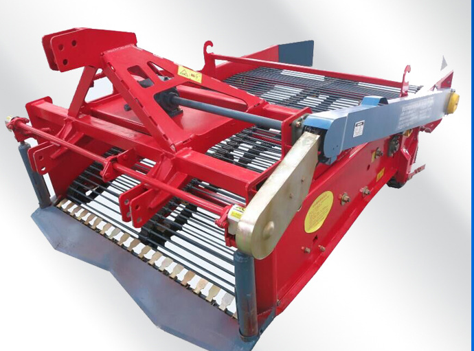 Time and labor saving mini single-row gear drive potato harvester